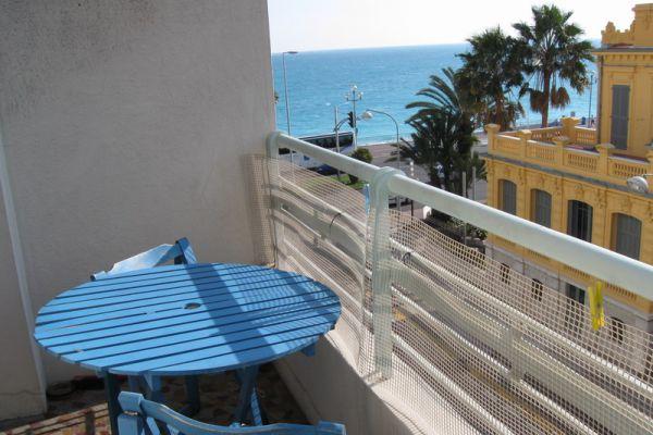 prm-balcon0904DA92-2AD5-A4D0-58A1-11E6335EEFBE.jpg