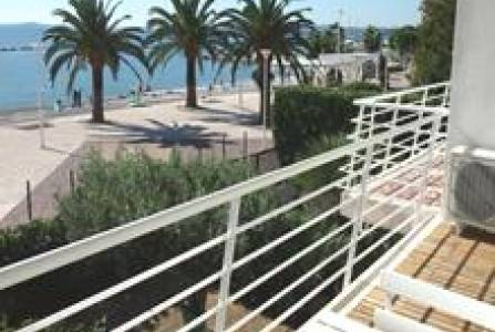 1ST - One bedroom St Laurent du Var - Sea front